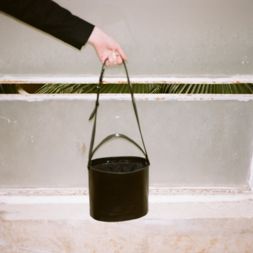Champagne Bucket Bag, black